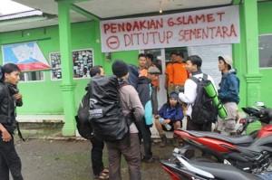 rombongan pendaki asal Pekalongan tiba di Pos Bambangan