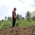 berdiri diatas Watu Kambang1