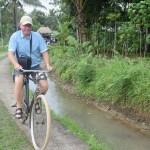 Wisman belanda naik sepeda1